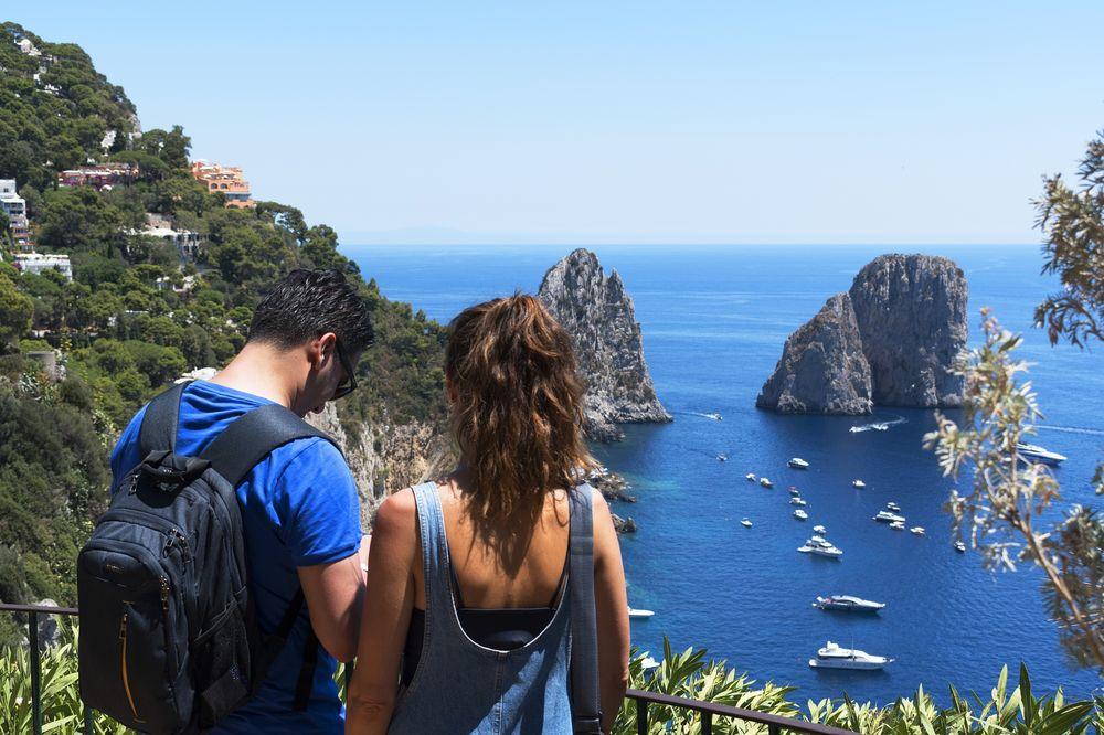 EU agrees to allow vaccinated non-EU tourists into the bloc